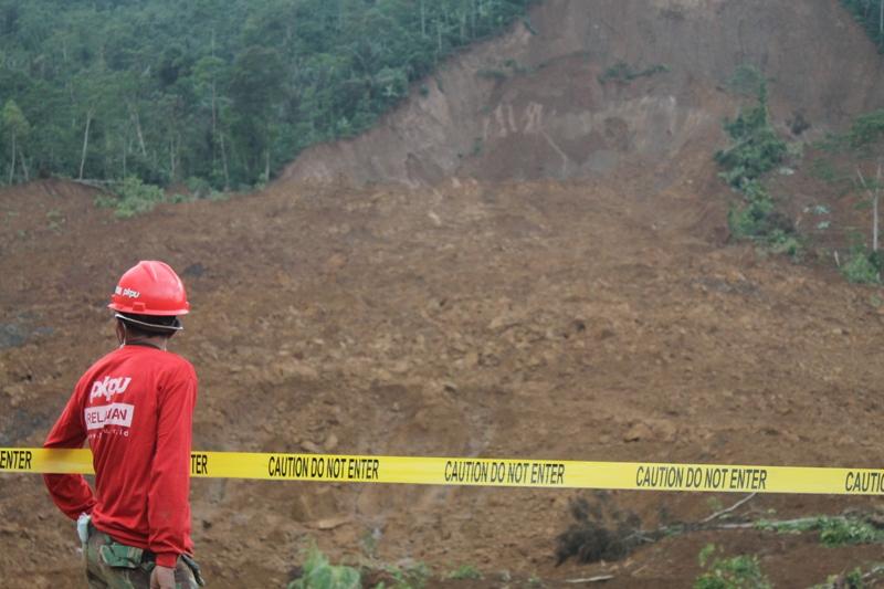 MEREKAM PESAN KEMATIAN DALAM TANAH. Bencana Longsor Karangkobar - Banjarnegara (6/6)